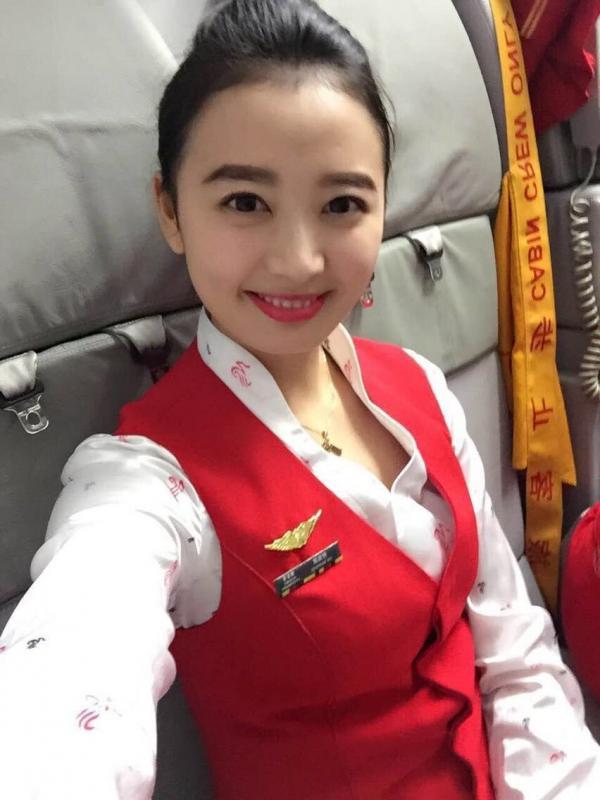 何泓淇,深圳航空公司.jpg